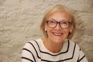 Mrs Wendy Chambers